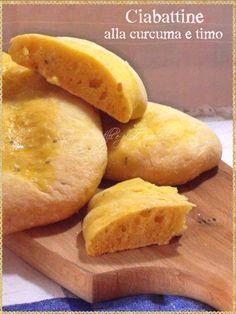 Ciabattine alla curcuma e timo (Bread turmeric and thyme)
