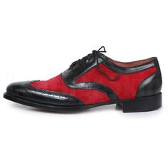 A product that you are investing in should be able to portray your personality. These black and red, brogue wing-tipped, suede, and genuine leather shoes do just that.  With its exquisite stylings, they portray a well-defined, chic look. Leather Top Hat, Purple Leather Jacket, Suede Leather Shoes, Leather Men, Oxford Brogues, Handmade Leather Shoes, Brown Oxfords, Leather Fashion, Personality