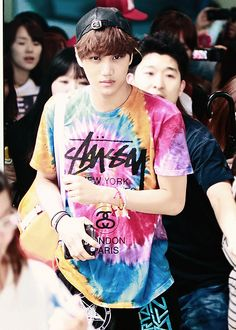 There's a guy in my English class who has that same shirt..... Dang it, now I'm going to fangirl every time he wears it xD