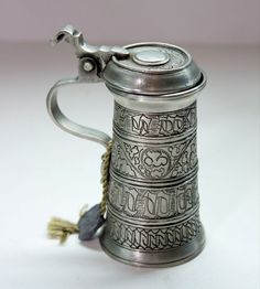 """MINI PEWTER Beer STEIN Lidded Marked PEWTER ZINN 95% Handcrafted 3.5"""" ITALY"""