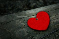 Red red heart.