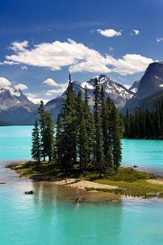 Spirit Island, Maligne Lake, Jasper National Park, Alberta, Canada.