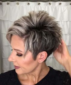 Short Hair Over 60, Short Hair Older Women, Older Women Hairstyles, Pixie Haircut For Thick Hair, Short Choppy Hair, Funky Short Hair, Short Thin Hair, Short Grey Hair, Short Hair Styles Easy