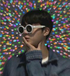 List of 5 best Funny Bts Heart in week 5 Seokjin, Namjoon, Foto Bts, Bts Taehyung, Bts Jin, Bts Emoji, V Chibi, Heart Meme, Rapper