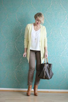 A fashion blog for women over 40 and mature women http://www.glamupyourlifestyle.com/  Cardigan: Allude Pants: NYDJ Shirt: Zara Booties: Alberto Fermani Bag: Louis Vuitton Artsy