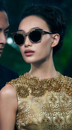 vera wang...........http://www.pinterest.com/rglumac/gold/