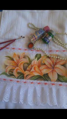 Pintura em tecido Stencils, Mary, Sewing, Rose, Tableware, Painting, Flowergirl Dress, Bath Linens, Daisies