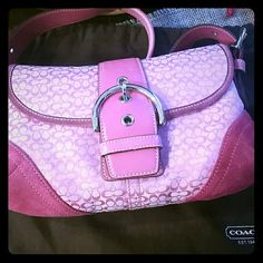 ** Priced dropped** Authentic Coach purse This is an authentic purse in very good condition. Gently used. The handle is leather. Dust bag included! Happy shopping! Coach Bags Shoulder Bags