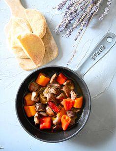【注目食材】砂肝のアヒージョ💛焼き鳥だけじゃなーい♪ レシピブログ Tapas Recipes, Pot Roast, Ethnic Recipes, Food, Carne Asada, Roast Beef, Meals