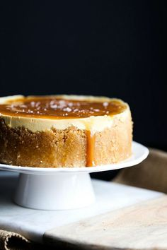 Cookies and Cups Instant Pot Salted Caramel Cheesecake by cookiesandcups #Cheesecake #Salted_Caramel