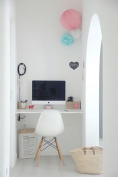 16 Modern Computer Desk for Your Home Office Tiny Office, Office Nook, Home Office Space, Corner Office, Corner Desk, Workspace Inspiration, Interior Inspiration, Room Inspiration, Desk Nook
