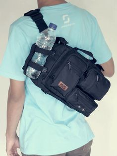 Multi configuration function : Messenger bag, Pannier bag, Sling bag, Seatpost bag, and Handlebar bag.