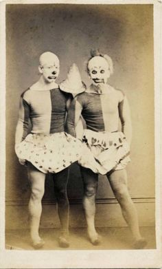 If You Want To Scare The Sh*t Out Of Your Friends, Show Them These Vintage Clown Photos - OMG Facts - The World's #1 Fact Source