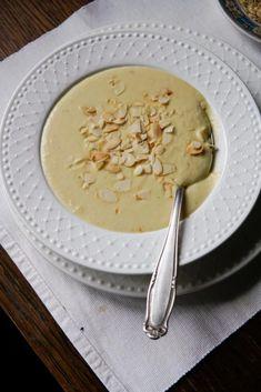 Zupa krem z kiszonej kapusty 3 Polish Recipes, Bon Appetit, Oatmeal, Healthy Eating, Healthy Soups, Good Food, Food Porn, Food And Drink, Cooking Recipes