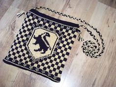 Ravelry: RavenLuna's Hufflepuff House Bag