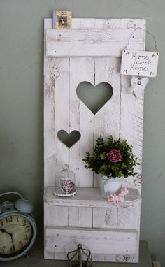 **_ - 1.**fett** ein Aufzählungspunkt - Hier kaufen sie einen traumhaften Deko Fensterladen mit 2 versetzten Herzen und langem Regal. - ♥♥Shabby chic, Landhaus ♥♥ Unikat. - - Wunderschöne...
