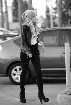 Ashley Benson Street Style such a cute outfit Love it! Style Outfits, Casual Outfits, Cute Outfits, Fashion Outfits, Pll Outfits, Polyvore Outfits, Pretty Little Liars, Looks Style, Style Me