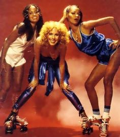 Silver Convention (l-r; Rhonda Heath, Penny McLean and Ramona Wulf) Skate Photos, Hispanic American, Play That Funky Music, Image Mode, The Boogie, 80s Pop, 70s Music, Music Album Covers, Pink Photo
