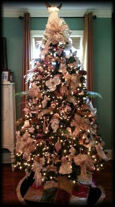 Victorian Christmas tree design