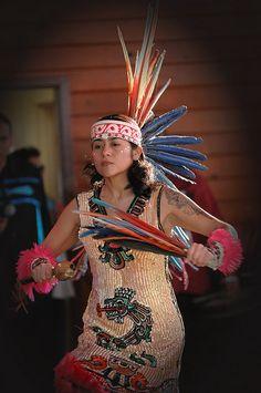 (Aztekowie, Aztecs) Aztec by jwkeith Native American Girls, Native American Regalia, American Indian Art, Aztec Costume, Aztec Empire, Bird People, Mexico Culture, Aztec Art, Indian Heritage