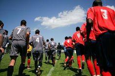 Basic Soccer Rules for Kids Soccer Pro, Soccer Boys, Soccer Games, Basketball, Team Mom, A Team, Team Bonding Activities, Soccer Crafts, Soccer Photography