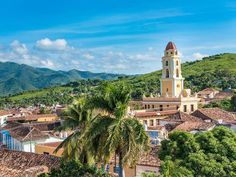 HolidayMe_Top 10 Countries To Visit In 2017_Cuba_343045349.jpg