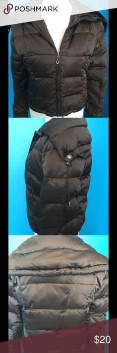 ⛄️❄️GUESS WINTER JACKET SALE!!!❄️☃️ This is a Guess down jacket that sits just at the waist, large collar with ability to zip up for neck warmth, has zip pockets in front and pull tabs to cinch in waist....very warm, cute jacket!! Guess Jackets & Coats Puffers