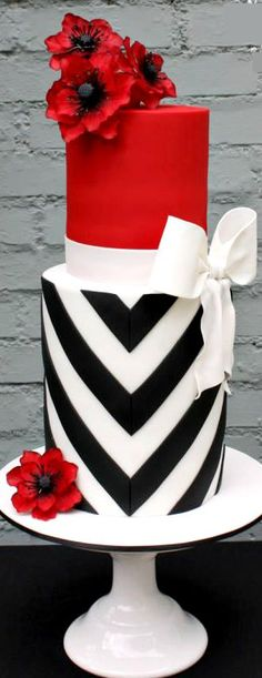 Elegant V-Stripes & Bold Poppies Cake