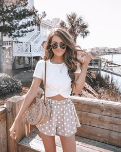 Are you searching for outfits for summer? Look no further in light of the fact that here are the 50 best of the cute summer outfits to wear this summer. Mode Outfits, Casual Outfits, Vetement Fashion, Look Boho, Cute Summer Outfits, Summer Cruise Outfits, Cute Vacation Outfits, Summer Holiday Outfits, Hawaii Outfits