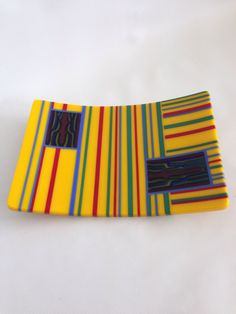 Strip construction platter with pattern bar windows
