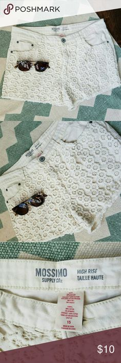 Mossimo cream denim crochet shorts Inseam 2 1/2 inches Mossimo Supply Co Shorts Jean Shorts