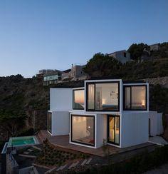 les moraux cadaval et de solà dépasse maison de tournesol de cliffside méditerranéen - Barcelona, Barcelona, Spain