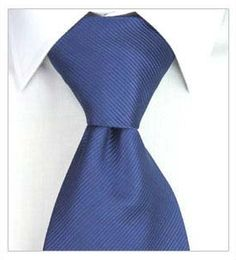 Knowing Your Knots. Someone who's a complete novice to wearing neckties might be surprised to discover there are dozens of different varieties of necktie knots. How do you decide which knot to use? The knot should be determined by how wide the lapels are on your suit, the width of the collar of your shit, and how thick the material the tie made out of is.