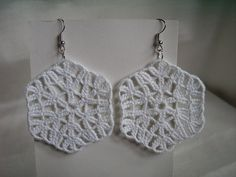 jewelry crochet, earrings, white snowflake. $5.00, via Etsy.