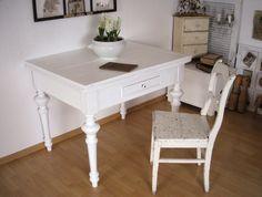 antiker Esstisch, Tisch, weiß, shabby, vintage von Alleswirdgut--- auf DaWanda.com