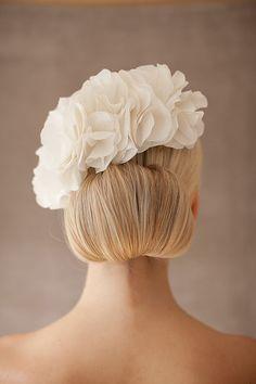 Braut Haarschmuck Hochzeit Seidenblüten Haare  von BelleJulieShop, €195.00
