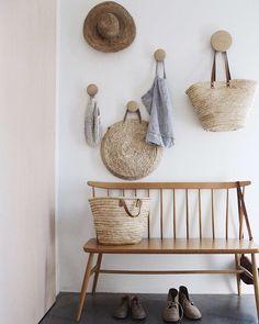 colgadores funcionales a la vez que decorativos… The Dots! #Muuto #DomésticoShop #design #interiordesign #interiordesigner #interiordecor #interiorarchitecture #homestyle #theartofslowliving #seekthesimplicity #designinspiration