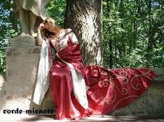 Corde a micante medieval dress