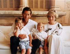 See the Cutest Childhood Photos of Prince William and Prince Harry Princess Meghan, Royal Princess, Prince And Princess, Princess Of Wales, Prince Harry, Diana Son, Lady Diana, Charles And Diana, Prince Charles