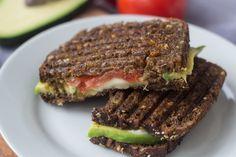 Rugbrødspanini - Panini med rugbrød, avokado og mozzarella (12)