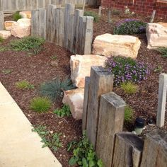 Crazy Front Yard Retaining Wall Landscaping (32) - Onechitecture