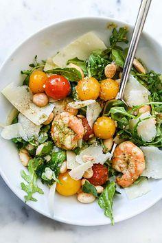 Arugula Salad w/Pesto Shrimp, Parmesan, & Beans Clean Recipes, Lunch Recipes, Vegetarian Recipes, Healthy Recipes, Healthy Cooking, Healthy Snacks, Healthy Eating, Cooking Recipes, I Love Food