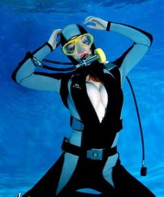 VK is the largest European social network with more than 100 million active users. Women's Diving, Diving Suit, Scuba Diving Gear, Scuba Wetsuit, Diving Wetsuits, Scuba Diving Equipment, Underwater Pictures, Scuba Girl, Womens Wetsuit