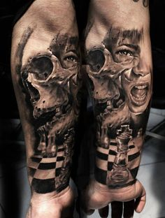 Innovative Chess Table With King Decorated With Ultimate Skull Horror Face Tattoo