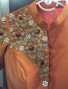in the making 🍁 palanquine sand hyashah mirror work hand embroidery textile couture robe chemisier floral fleurs flowers couleurs automnales fall Embroidery On Kurtis, Embroidery Neck Designs, Hand Work Embroidery, Embroidery Suits, Embroidery Fashion, Salwar Designs, Saree Blouse Designs, Blouse Patterns, Lesage