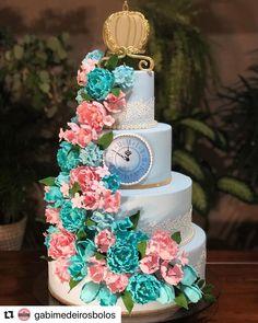 Lindo bolo tema Cinderela 😍🎂💗 with ・・・ A Cinderela fez 15 anos 🥰👑 . Sweet 16 Birthday, 15th Birthday, Birthday Parties, Bolo Glamour, Cinderella Quinceanera Themes, Sweet Sixteen, Cake Decorating, How To Make, Wedding