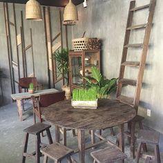 Năm mười mười lăm - 29 Ngô Thời Nhiệm, P.6, Quận 3.  #nccsaigon #nhacuacoffeeholic Restaurant Themes, Cafe Restaurant, Restaurant Design, Vietnamese Restaurant, Coffee Design, Cup Design, Shop Interiors, Rustic Interiors, Vintage Coffee Shops