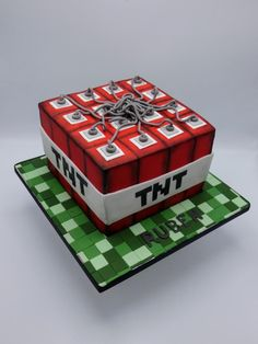 Minecraft - cake by Olina Wolfs - CakesDecor 12th Birthday Cake, Minecraft Birthday Cake, Minecraft Party, 6th Birthday Parties, Birthday Ideas, Cake Minecraft, Minecraft Ideas, Mindcraft Cakes, Minecraft Cake Toppers