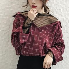 2 piece V-neck fishnet loose plated shirt