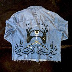 [ART] Carpe Diem / Illuminati themed jacket I painted for a friend : streetwear Painted Jeans, Painted Clothes, Diy Clothing, Custom Clothes, Jean Jacket Design, Custom Denim Jackets, Denim Ideas, Street Wear, Couture